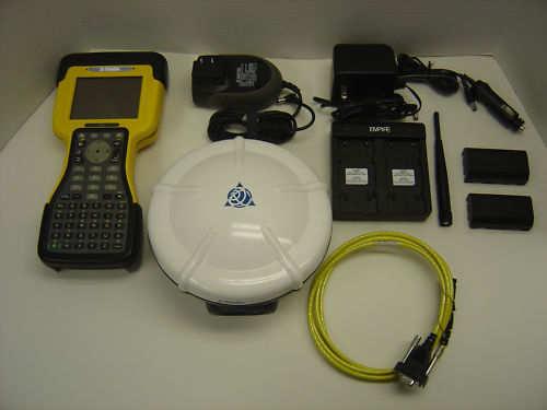 Trimble_R8_Model_2_GNSS_RTK_GPS_Receiver_with_TSC2__02904_zoom.JPG